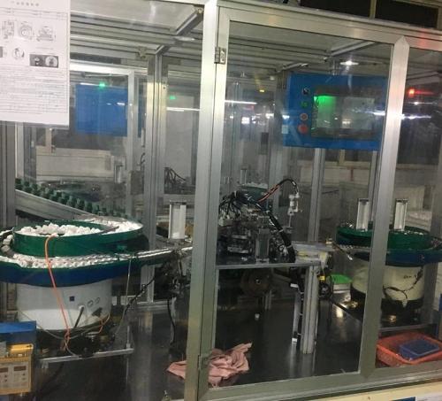 三合一层板托自动组装机4_流水线厂家