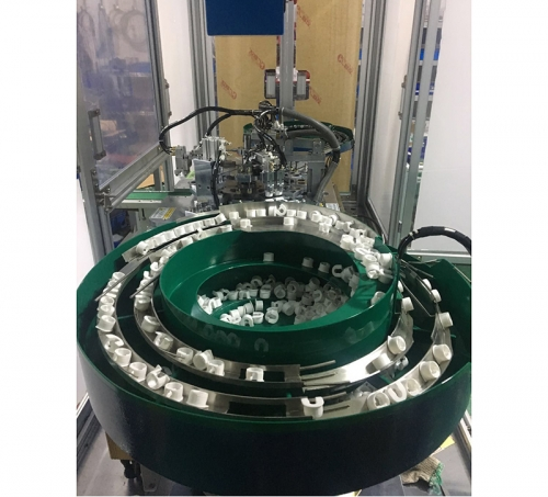 三合一层板托自动组装机3_凸轮机械手